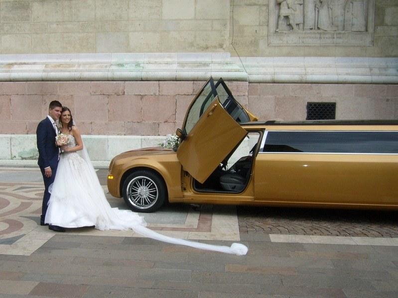 PLS Partylimuzin-limuzin bérlés-olcsó esküvő Budapesten kép 01