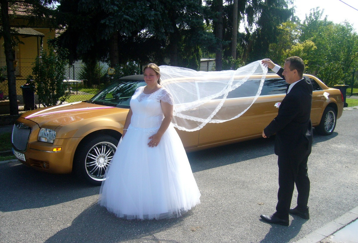 Luxusautó bérlés esküvőre