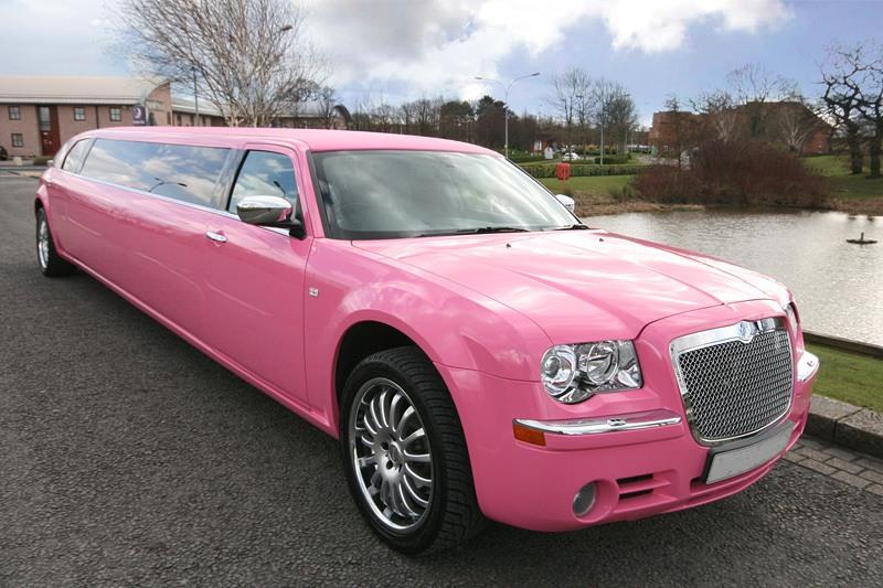 Rózsaszín limuzin bérlés kép